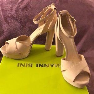 NIB GIANNI BINI Ankle Strap Heels